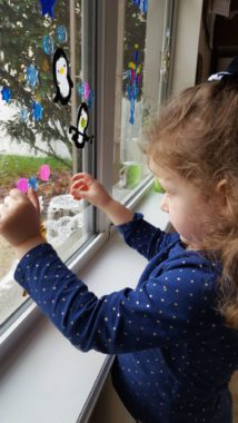 Engage All the Senses with these 5 Easy Holiday Activities for Toddlers