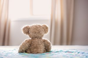 bear-bed-bedroom-860882