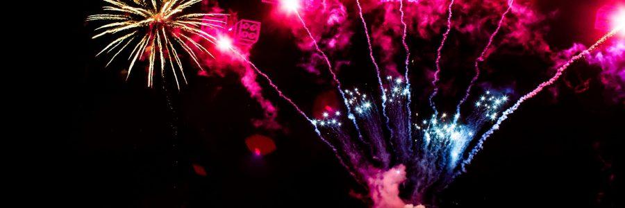 WINTER HAVEN, FL  -- December 19, 2015 -- Fireworks display over Lake Eloise at LEGOLAND Æ Florida Resort. (PHOTO / LEGOLAND Florida, Merlin Entertainments Group, Chip Litherland)WINTER HAVEN, FL  -- December 19, 2015 -- Fireworks display over Lake Eloise at LEGOLAND Æ Florida Resort. (PHOTO / LEGOLAND Florida, Merlin Entertainments Group, Edward Linsmier)