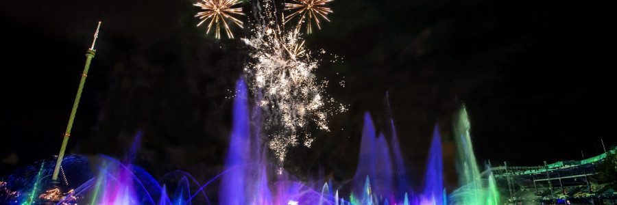 7023-electric-ocean-fireworks